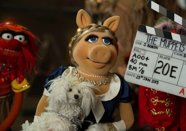 muppets-most-wanted-set-photo-piggy