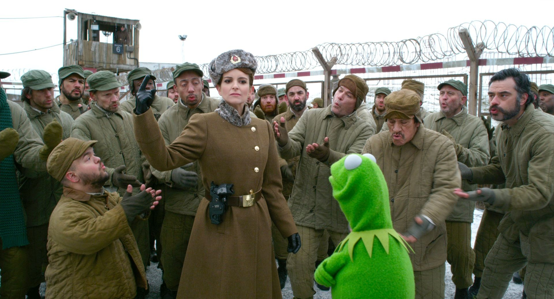 Muppets Most Wanted Tina Fey MUPPETS MOST WANTED Se...