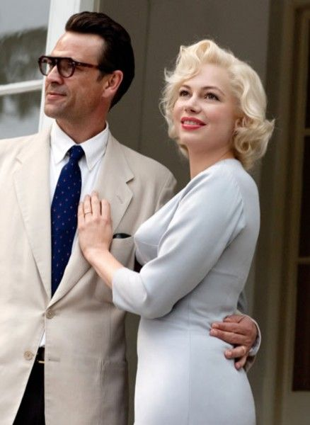 my-week-with-marilyn-movie-image-dougray-scott-michelle-williams-01