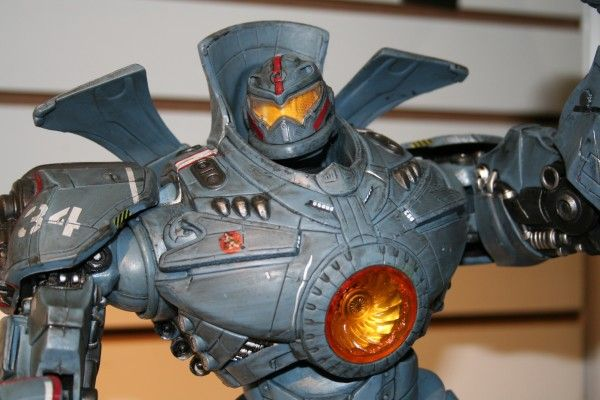 neca-toy-fair-2014-image (40)