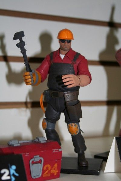 neca-toy-fair-2014-image (49)