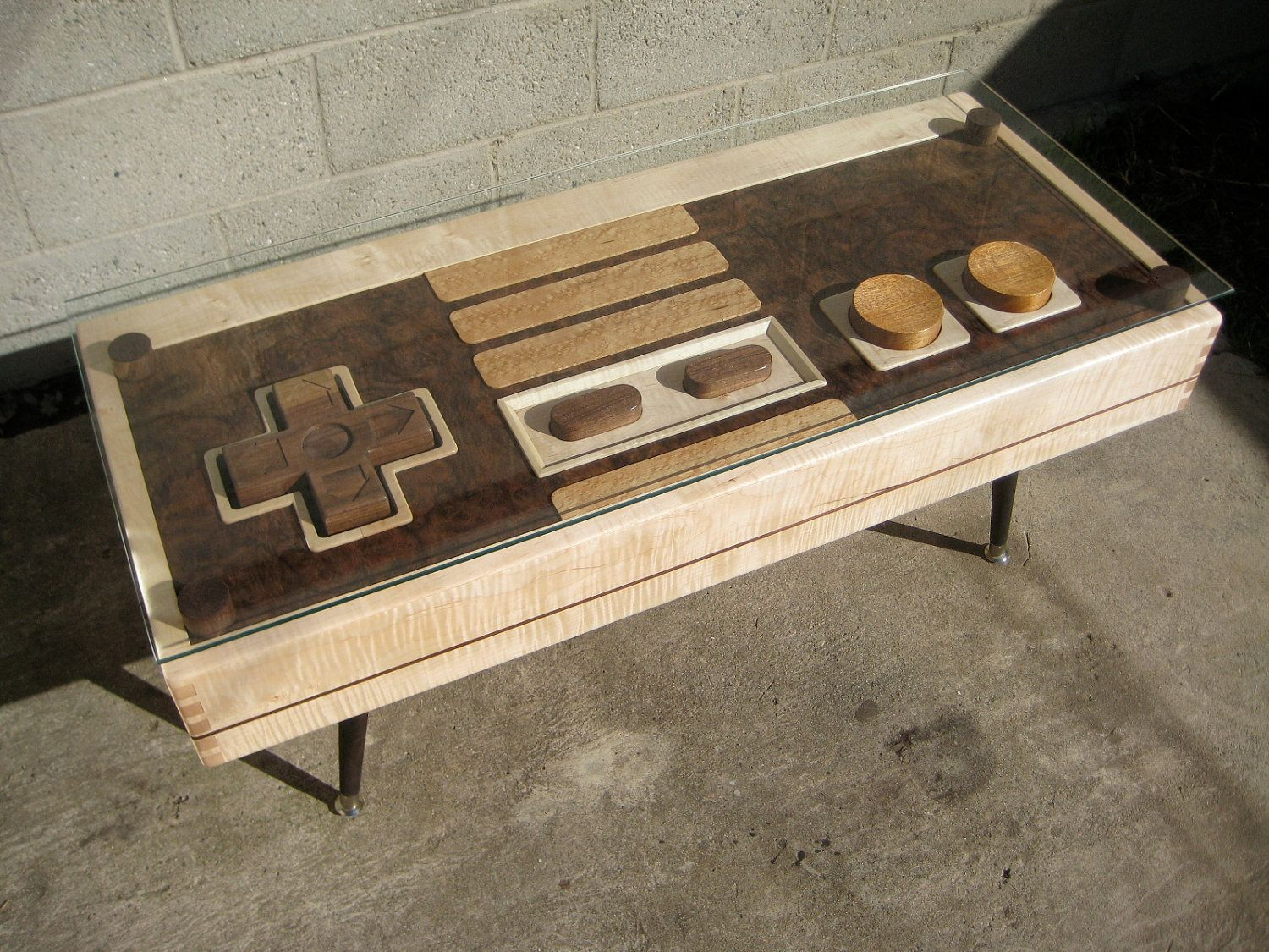 Geek Gifts Vhs And Fully Functional Nintendo Controller Coffee Tables Collider