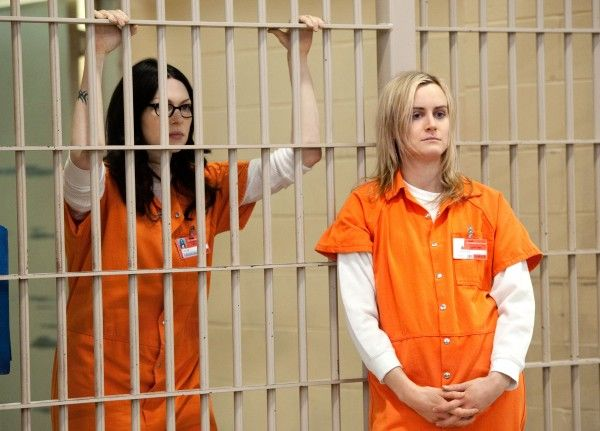 orange is the new black laura prepon taylor schilling