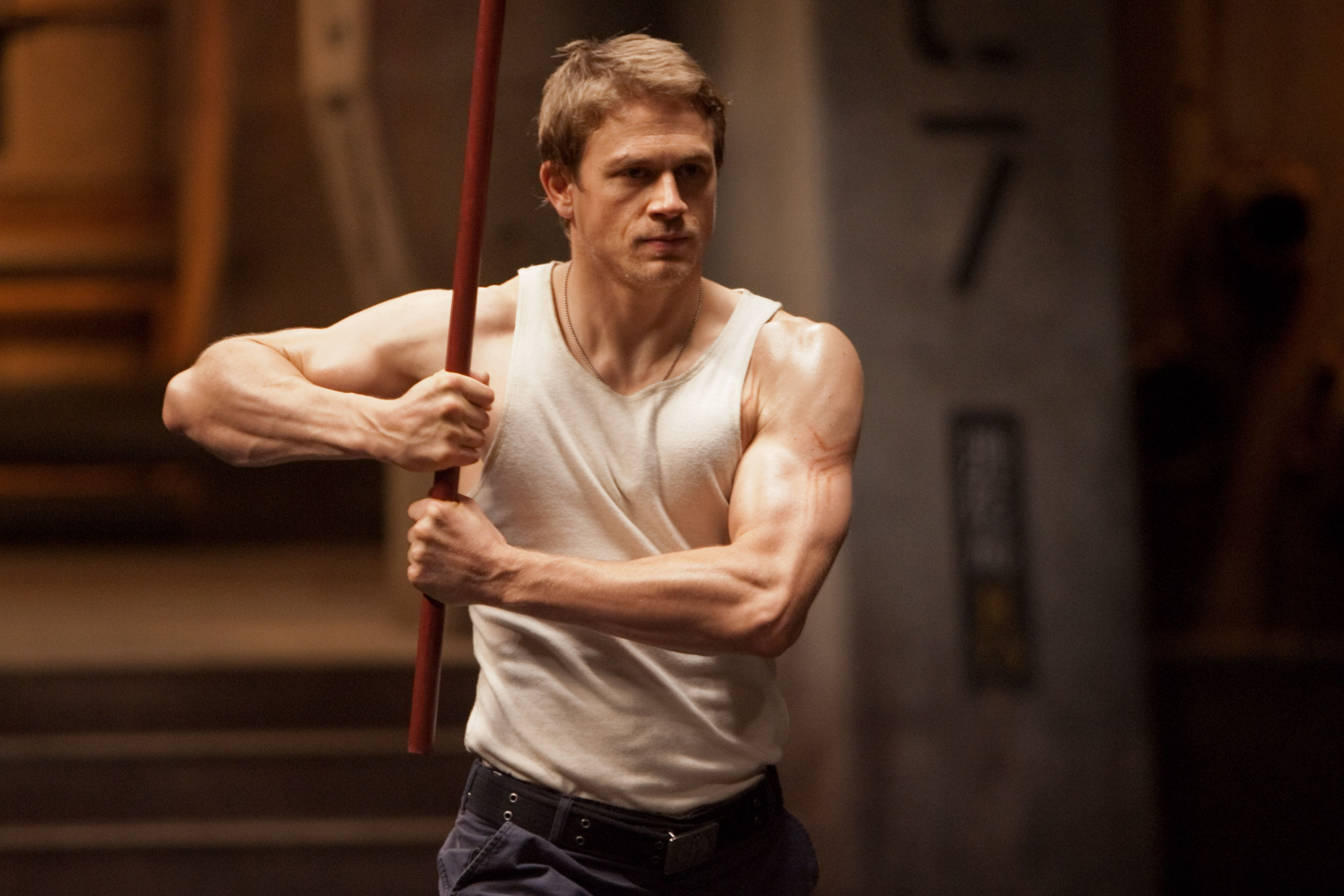 Pacific Rim 2: Charlie Hunnam Not Returning for Sequel