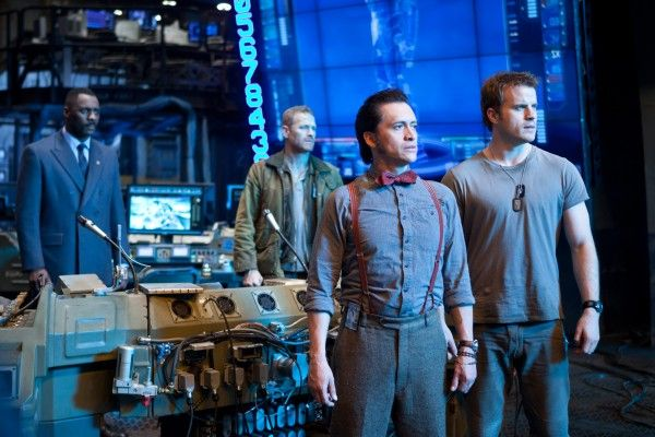 pacific-rim-clifton-collins-jr-rob-kazinsky