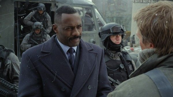 pacific-rim-idris-elba-3