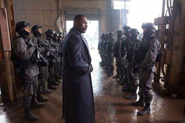 pacific-rim-idris-elba-6