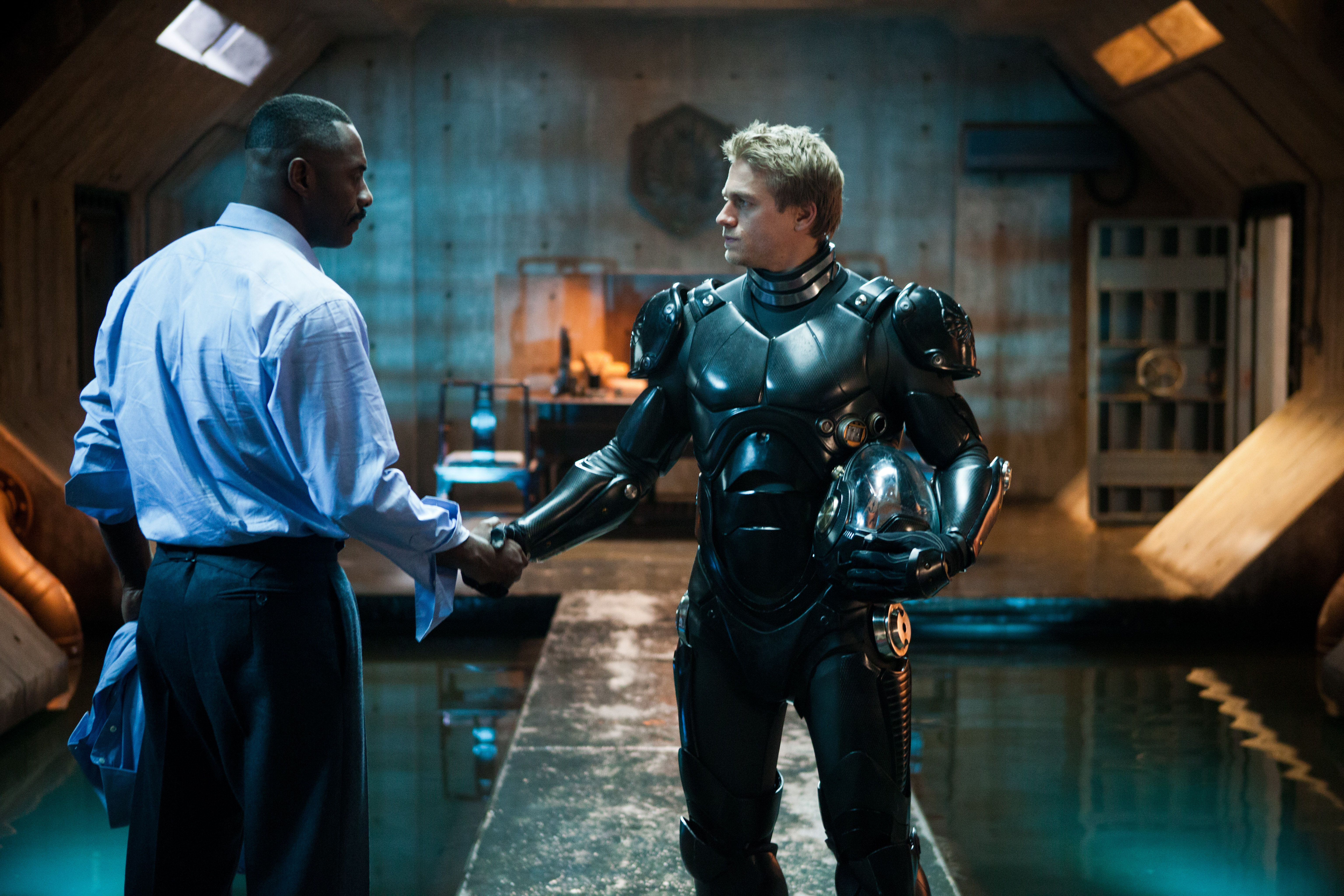 Charlie Hunnam Talks Pacific Rim Sons Of Anarchy And Crimson Peak