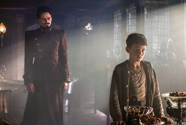 pan-movie-image-hugh-jackman-levi-miller