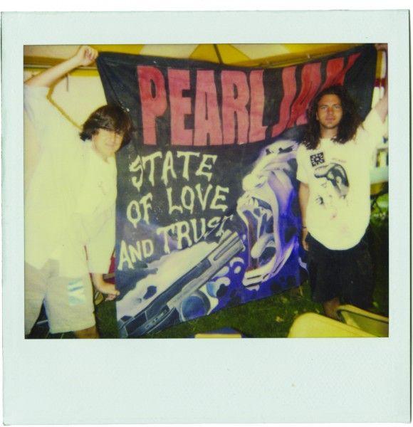 pearl-jam-twenty-image-02