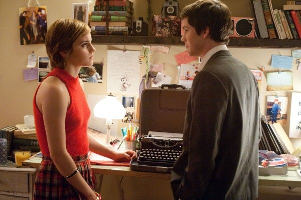 perks-of-being-a-wallflower-movie-image-emma-watson-logan-lerman-01