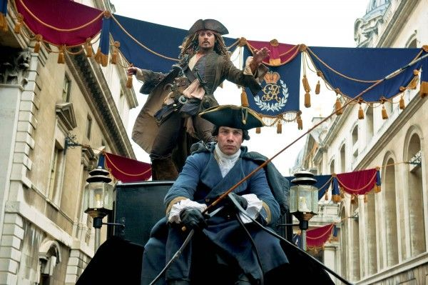 pirates-4-movie-image-carriage-chase-01