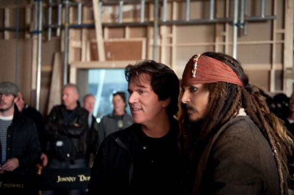 pirates-4-set-photo-johnny-depp-rob-marshall-01