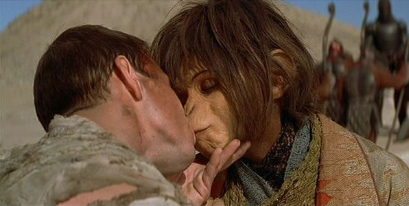planet-of-the-apes-remake-carter-wahlberg-kiss
