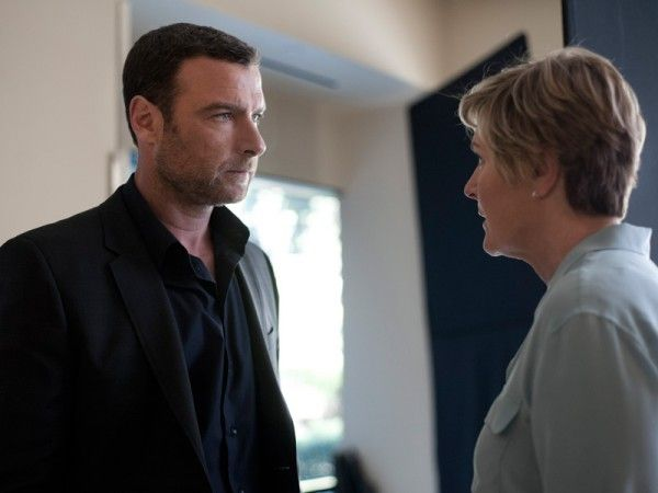 ray-donovan-housewarming-1