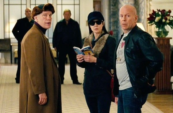 red-2-john-malkovich-mary-louise-parker-bruce-willis