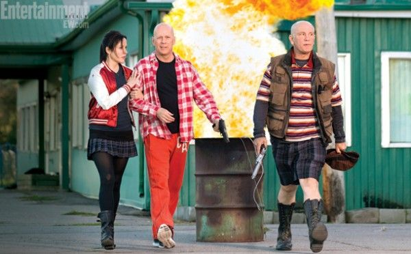red-2-bruce-willis-mary-louise-parker