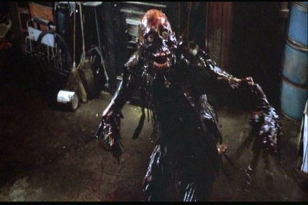 return_of_the_living_dead_movie_image_01