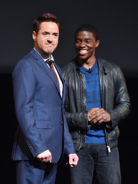 robert-downey-jr-chadwick-boseman-marvel-event