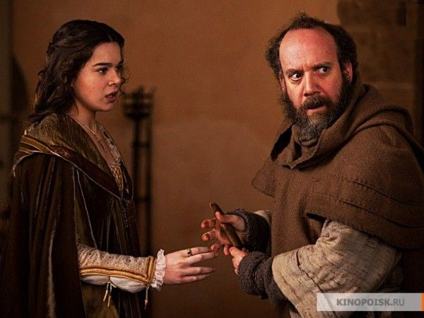 romeo-and-juliet-movie-image-hailee-steinfeld-paul-giamatti