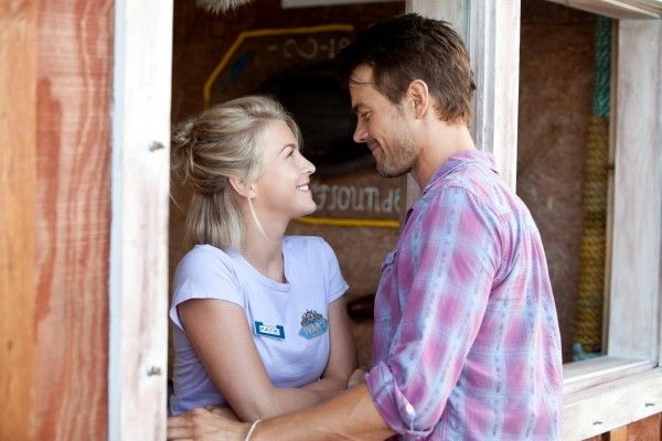 safe-haven-julianne-hough-josh-duhamel