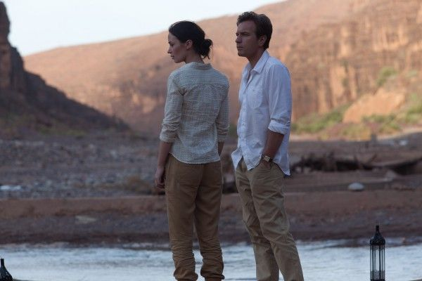 salmon-fishing-in-the-yemen-ewan-mcgregor-emily-blunt-4