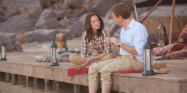 salmon-fishing-in-yemen-movie-image-emily-blunt-ewan-mcgregor-01