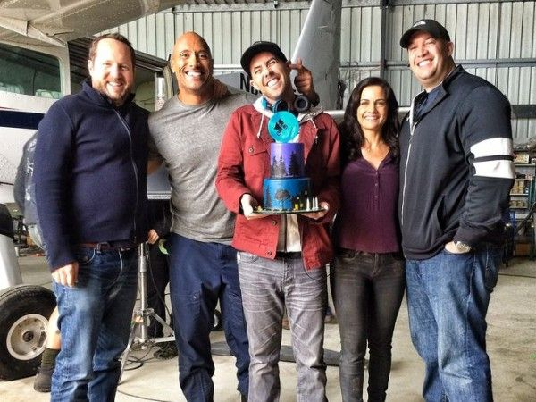san-andreas-dwayne-johnson-brad-peyton-set-photo