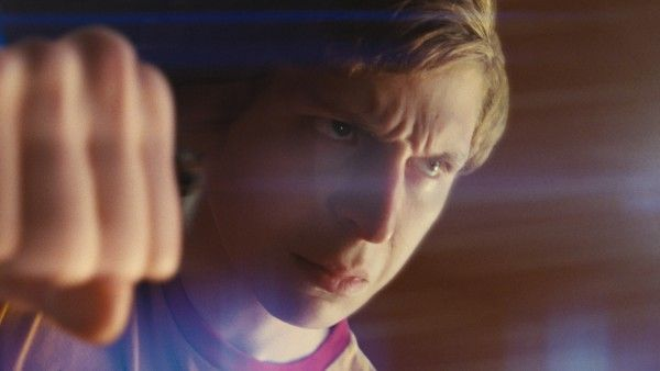 scott_pilgrim_vs_the_world_movie_image_michael_cera_fist_01