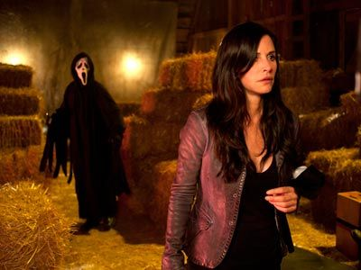 scream_4_movie_image_courtney_cox_01