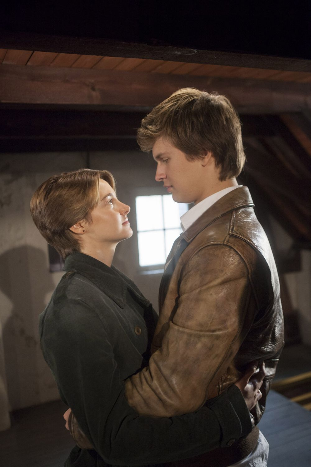 THE FAULT IN OUR STARS Trailer: Shailene Woodley Falls in ...