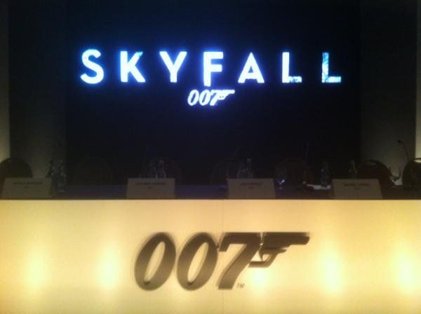 skyfall-007-logo-press-conference-01