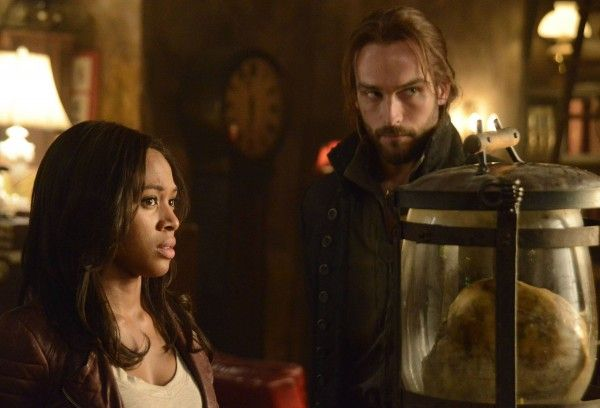sleepy-hollow-nicole-beharie-tom-mison