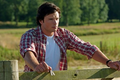 SMALLVILLE-tom-welling-108