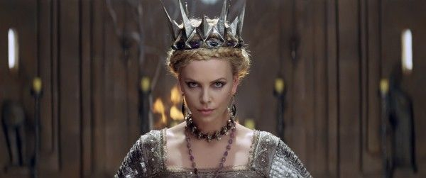 snow-white-huntsman-movie-image-charlize-theron-1