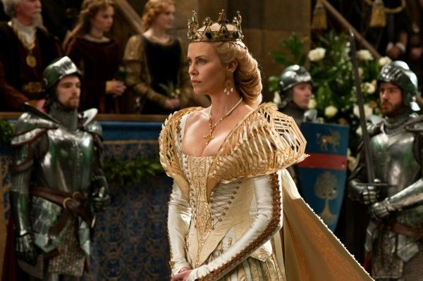 the-huntsman-movie-image-charlize-theron-5