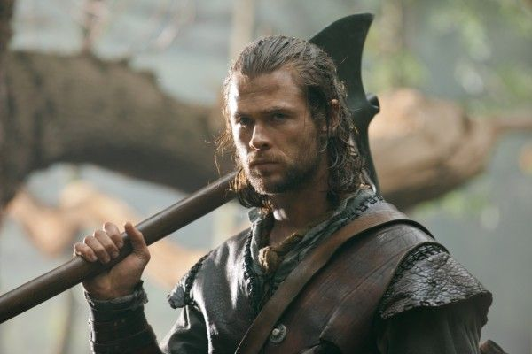 the-huntsman-movie-image-chris-hemsworth-1