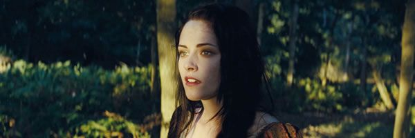 snow-white-huntsman-movie-image-kristen-stewart-slice