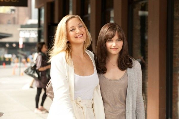 something-borrowed-movie-image-kate-hudson-ginnifer-goodwin-01