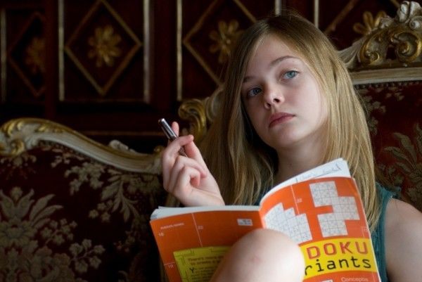 somewhere_movie_image_elle_fanning_01