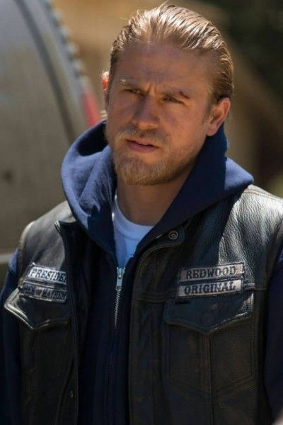 Charlie Hunnam Talks DEADFALL, PACIFIC RIM, and SONS OF ...