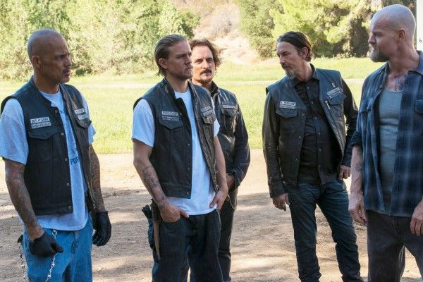 sons-of-anarchy-episode-710-david-labrava-charlie-hunnam-kim-coates-tommy-flanagan-luke-massy