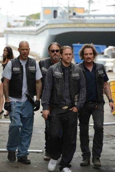 sons-of-anarchy-season-7-david-labrava-tommy-flannagan-charlie-hunnam-kim-coates