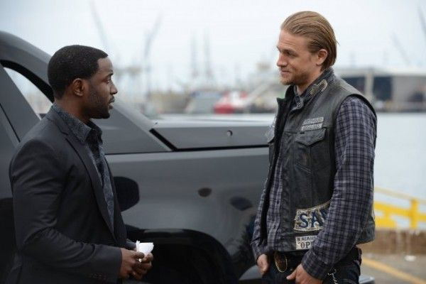 sons-of-anarchy-season-7-episode-3-rich-paul-charlie-hunnam