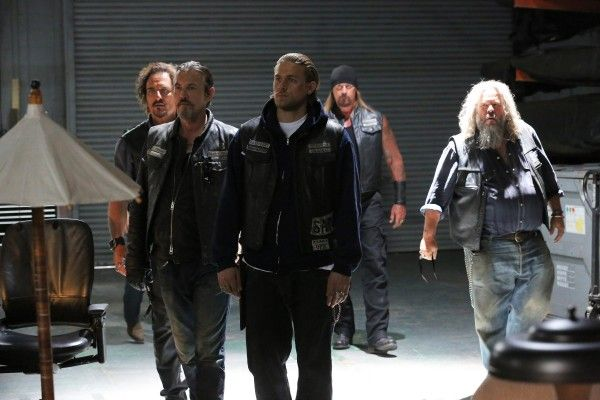 sons-of-anarchy-smoke-em-if-you-got-em