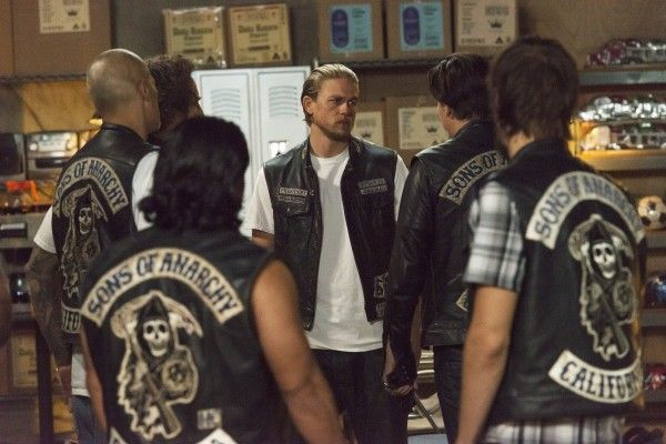sons-of-anarchy-suits-of-woe-image-1