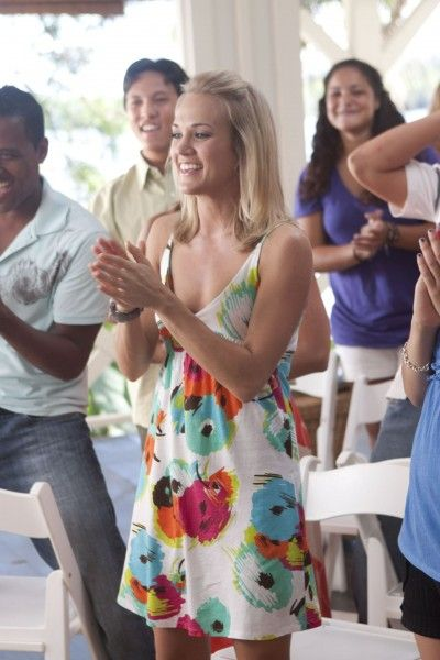soul-surfer-movie-image-carrie-underwood-02