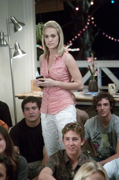 soul-surfer-movie-image-carrie-underwood-03