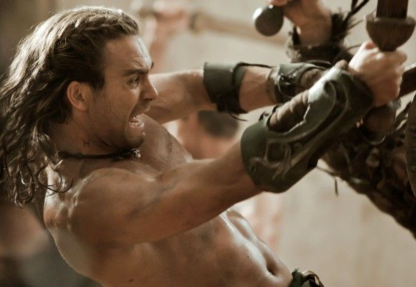 spartacus-vengeance-dustin-clare-fight