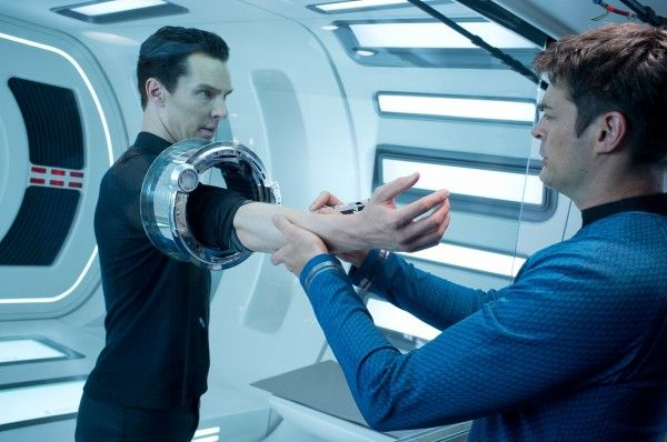star-trek-into-darkness-benedict-cumberbatch-karl-urban